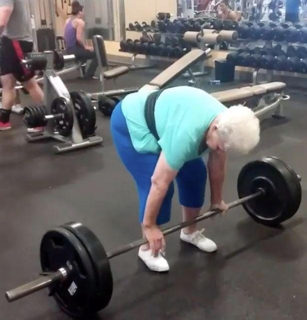 Pomagajte starejšim
